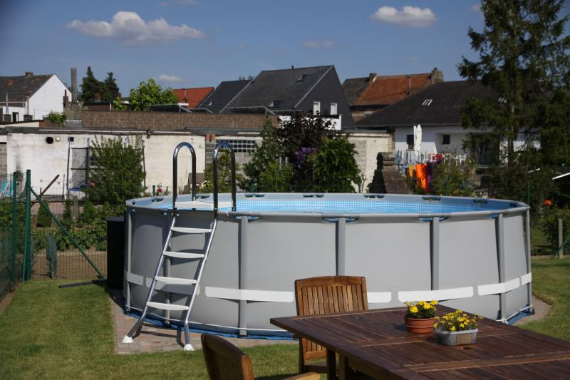 Intex ultra frame rund intex for Billige poolfolien